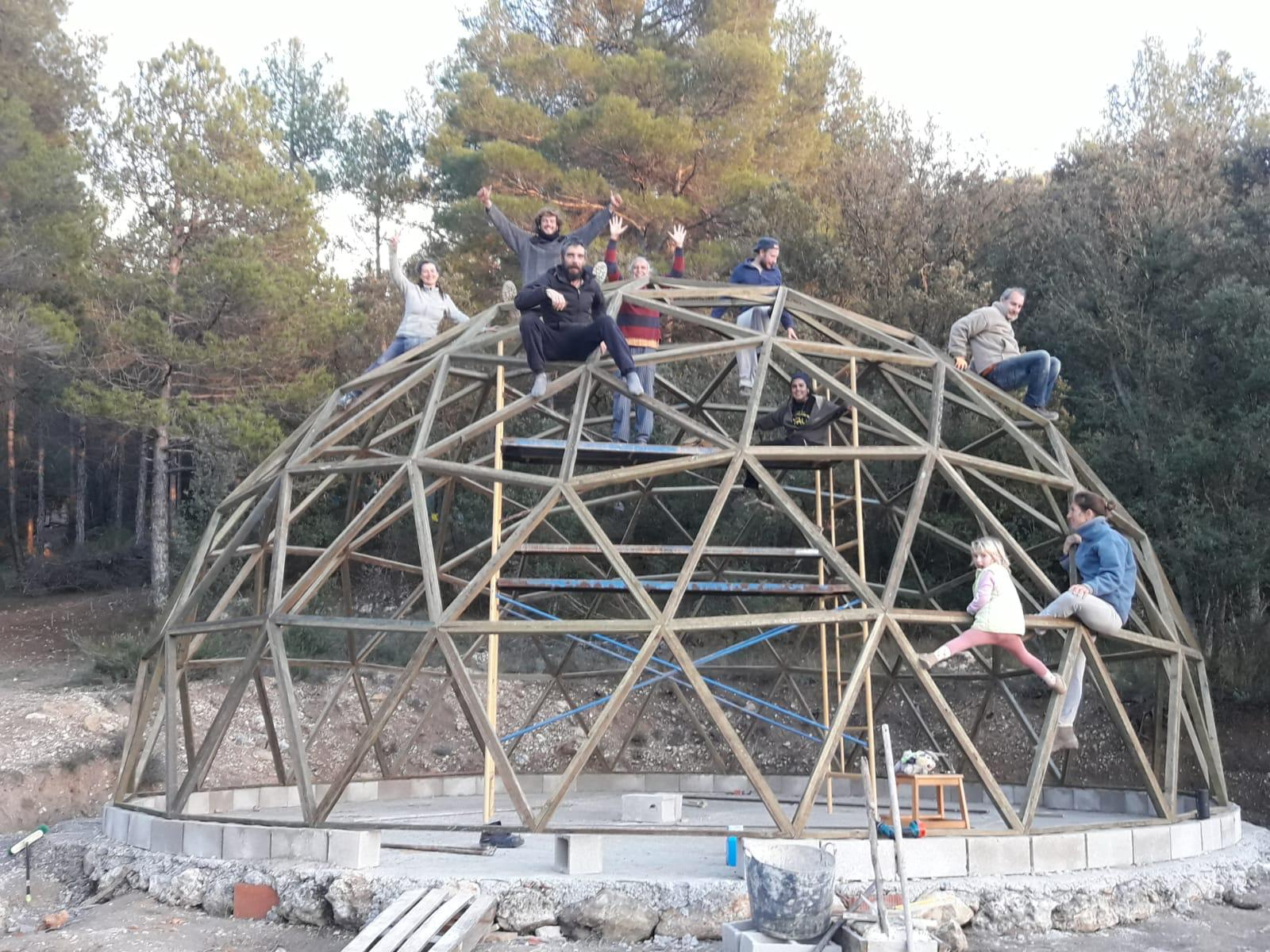 Descansando sobre la cúpula